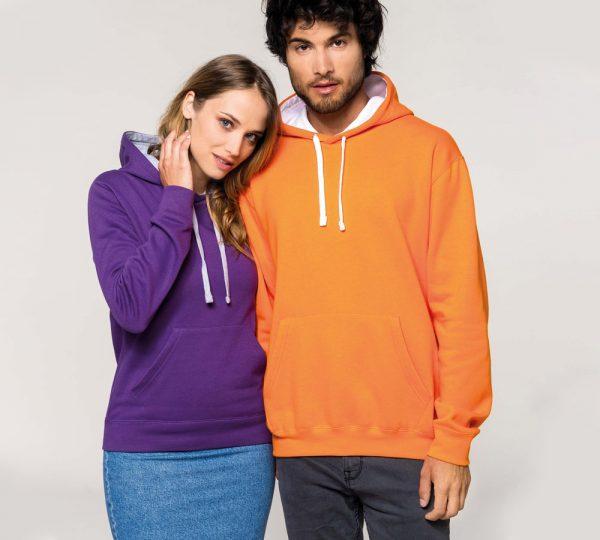 Tweekleurige hoodie ontwerpen en bedrukken