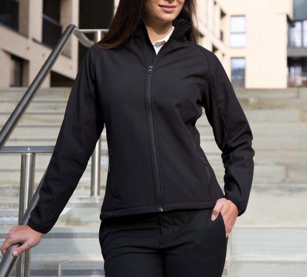 zwarte softshell dames jas ontwerpen en bedrukken